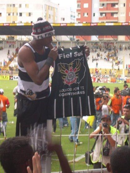 O goleiro Felipe com a nossa camisa