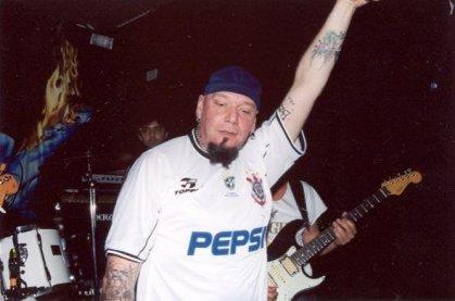 Paul Di'Anno, ex-Iron Maiden, também guarda o seu manto corinthiano