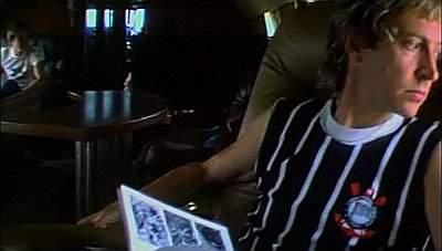 O guitarrista do The Police, Andy Summers, aparece vestindo uma camisa do Timão na série sobre a história do rock da BBC